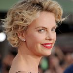 How To Grow Out Your Hair Celebs Growing Out Short Hair Growing Out A Pixie Cut Fine Hair