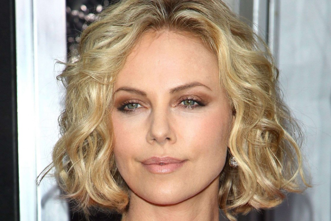 How To Make Fine, Curly Hair Look More Polished The Skincare Edit Haircuts For Thin Curly Hair