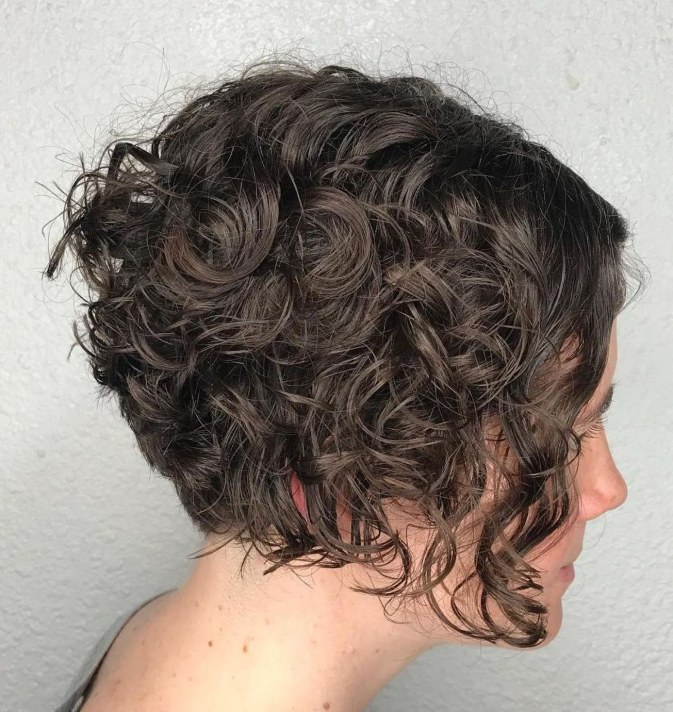 Inverted Jaw Length Bob For Curly Hair Curly Bob Hairstyles A Line Bob Curly Hair