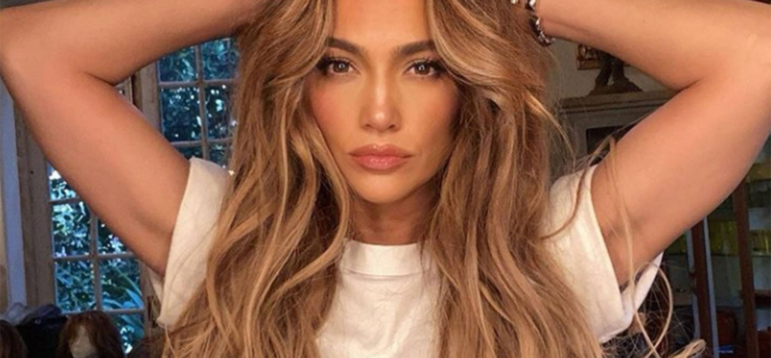 Invisible Layers' Hair Trend Gives You Instant Cheekbones  Glamour UK