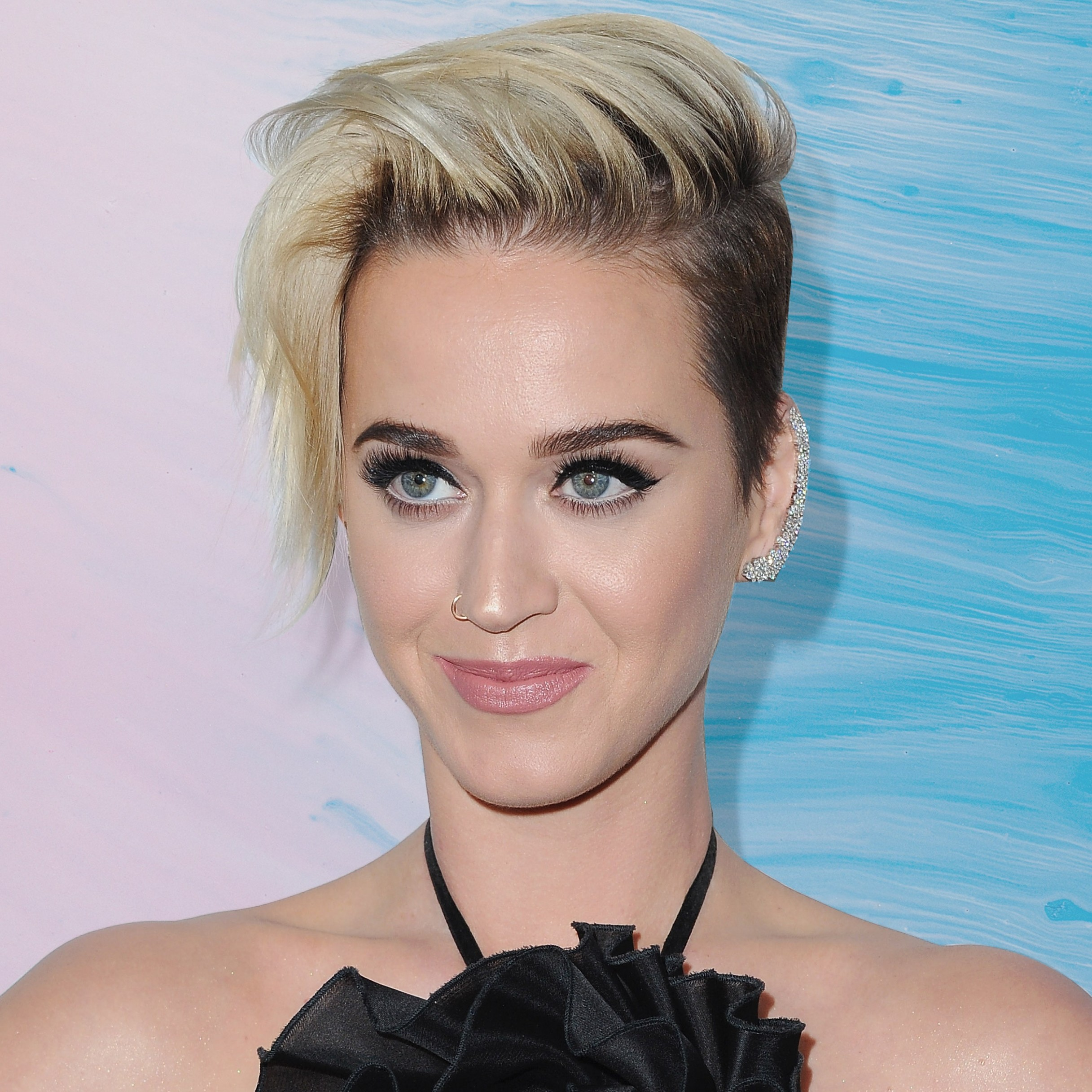 Katy Perry Just Committed To Her Pixie Haircut By Going Shorter Katy Perry Short Haircut
