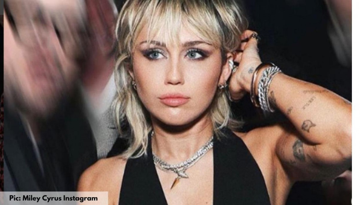 Miley Cyrus Acing Short Hairstyle Like A Rockstar In These Pics Miley Cyrus Short Haircut