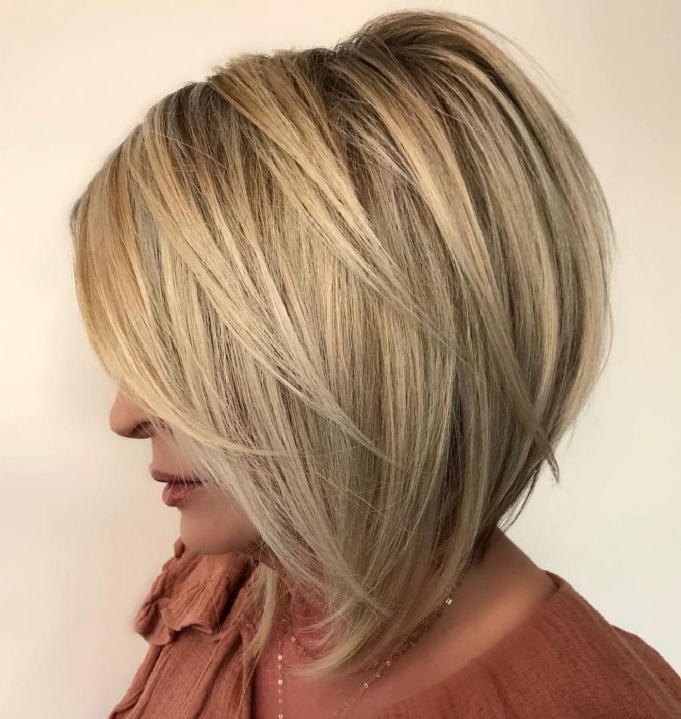 Pin On Hairstyles Inverted Haircut