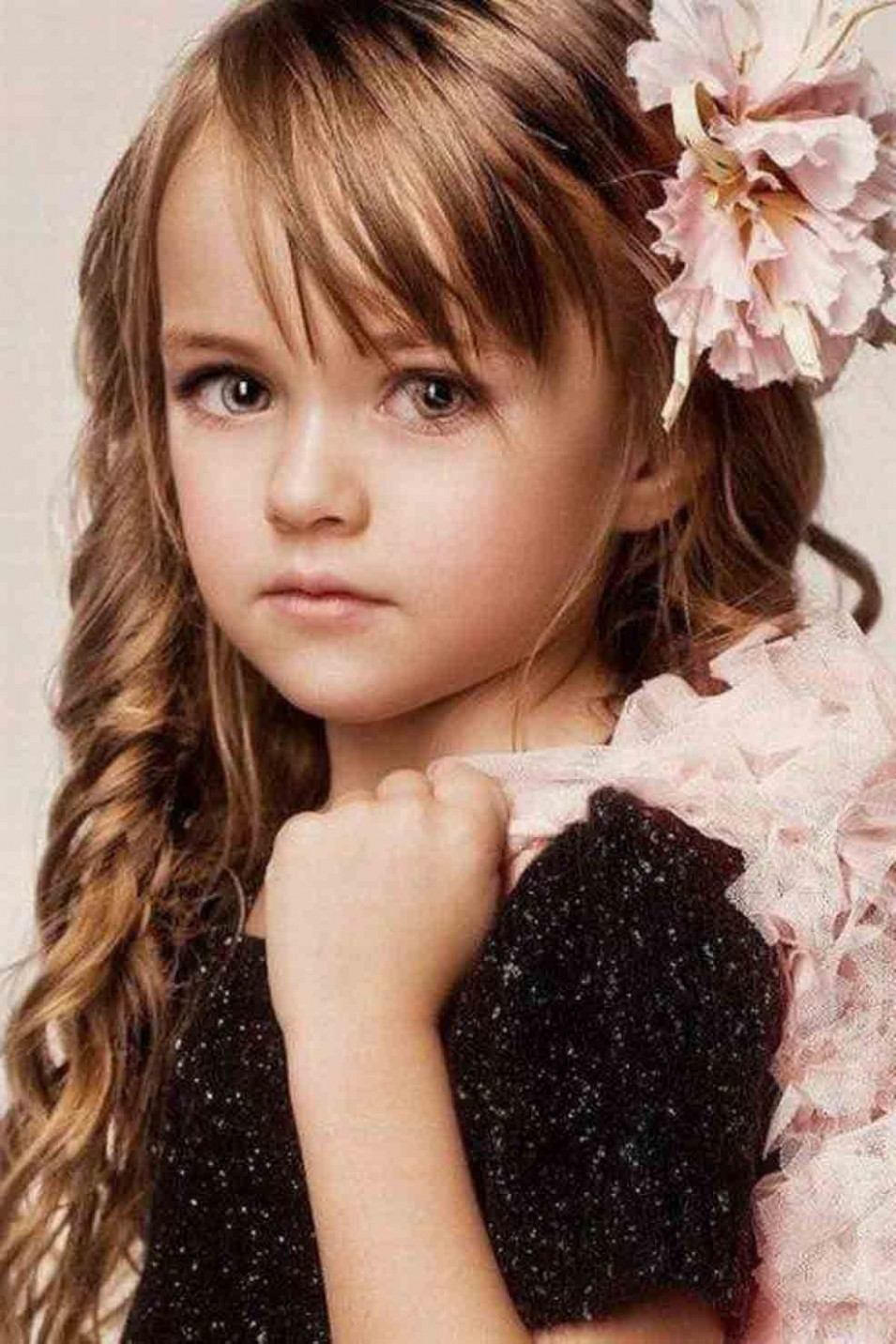 Pin On Hairstyles Little Girl Long Haircuts With Bangs