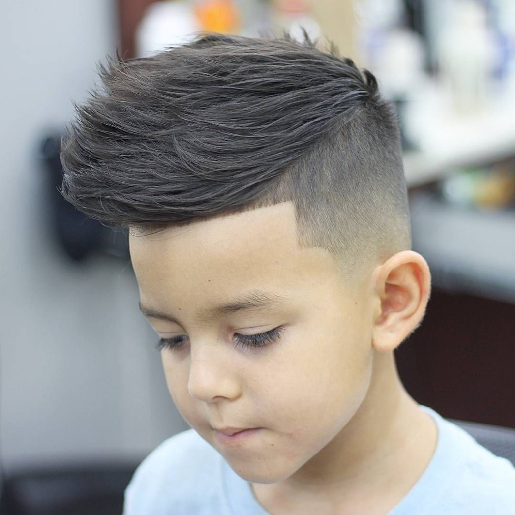 Pin On Men Haircuts With Round Faces Round Face Hairstyle Male