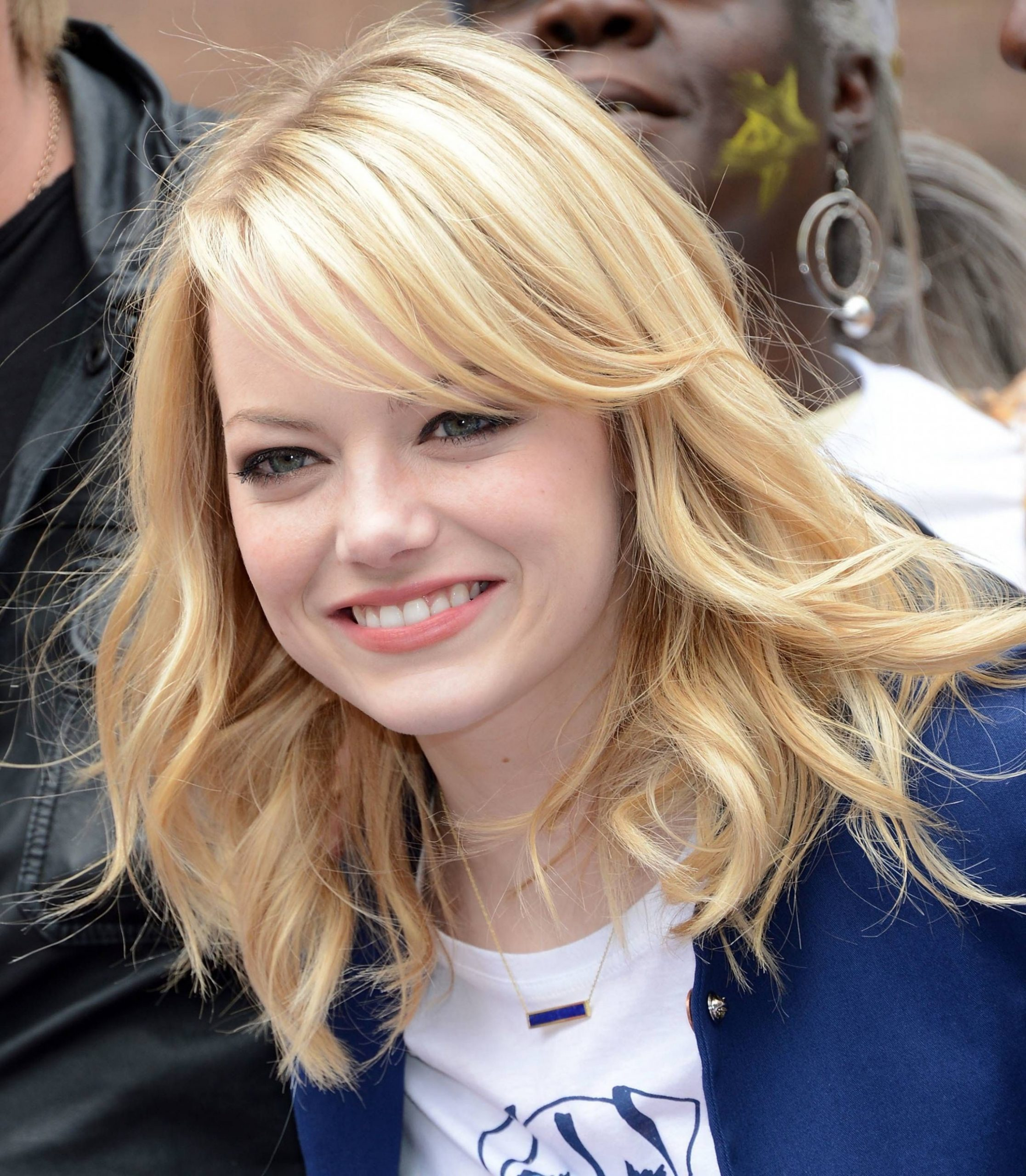Pin On Miss Blonde Hairstyles For Small Forehead And Round Face