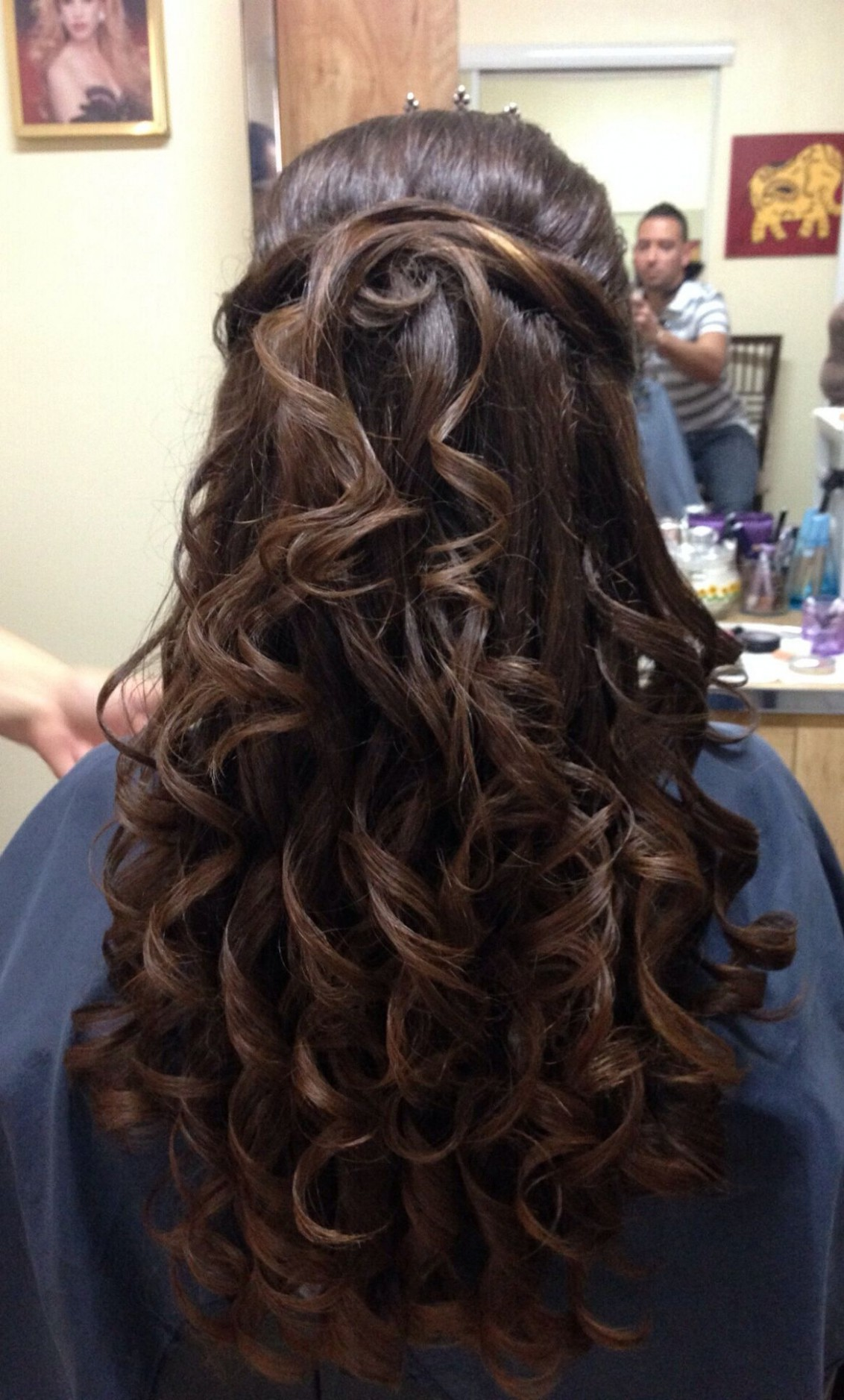 Quince Hair #quince #curly #hair #hairstyles #pretty #longhair Quinceanera Curls