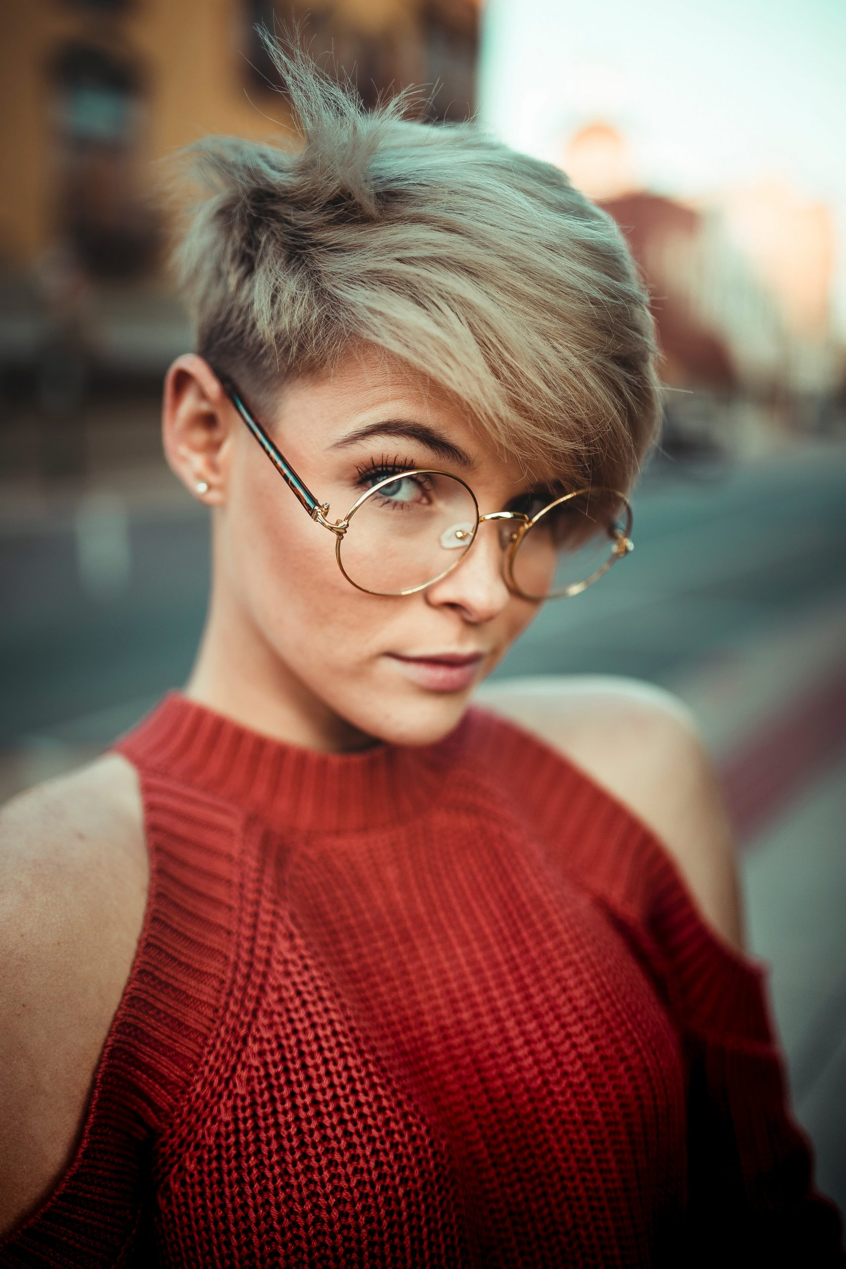 Short Haircuts For Fine Hair And Round Faces Small Face Haircut