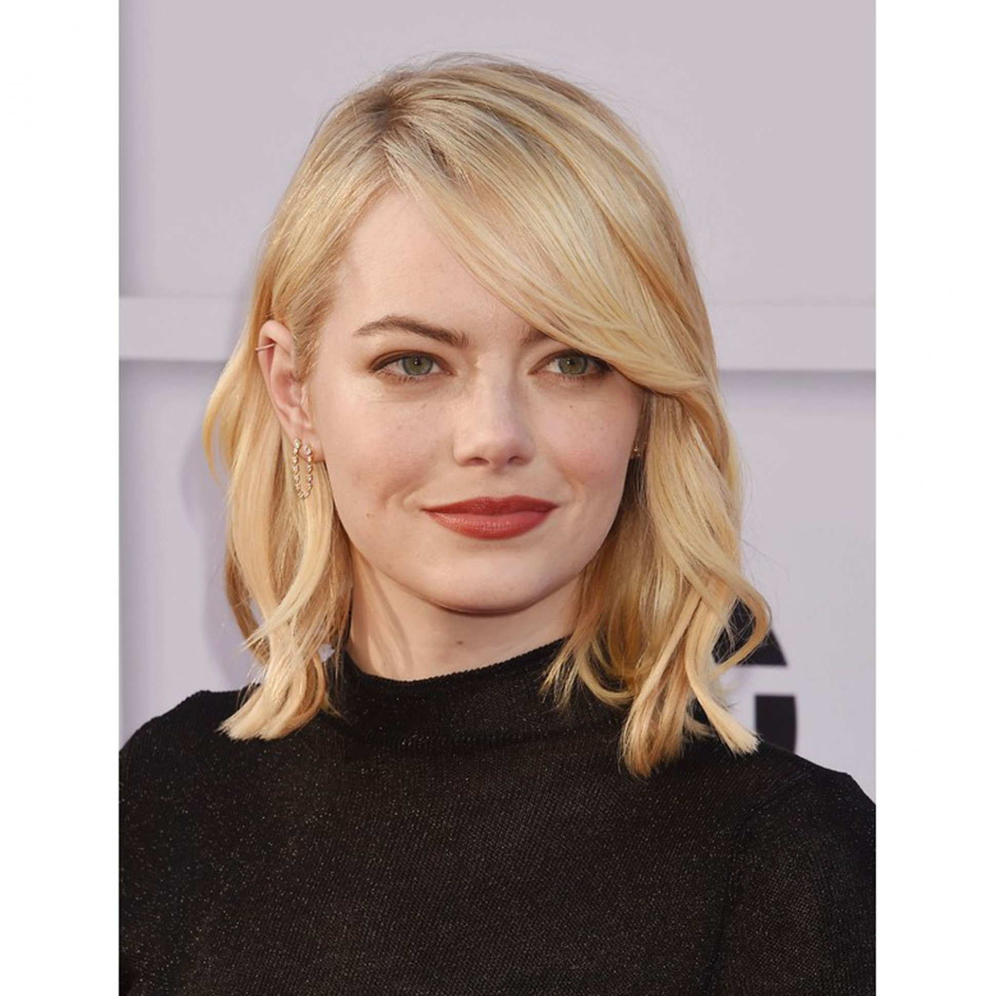 The 11 Best Haircuts For Round Faces, According To Stylists Allure Fringe For Round Face