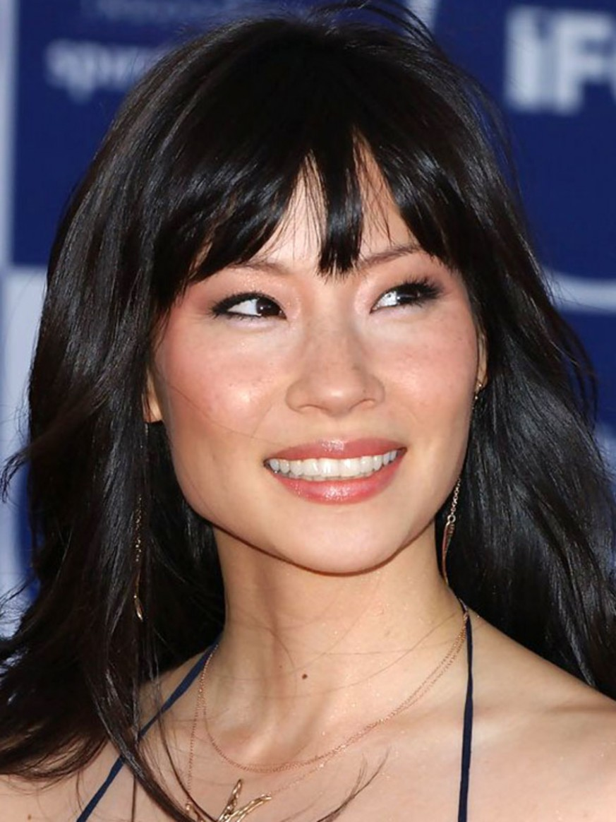 The Best (and Worst) Bangs For Square Face Shapes The Skincare Edit Square Face Bangs