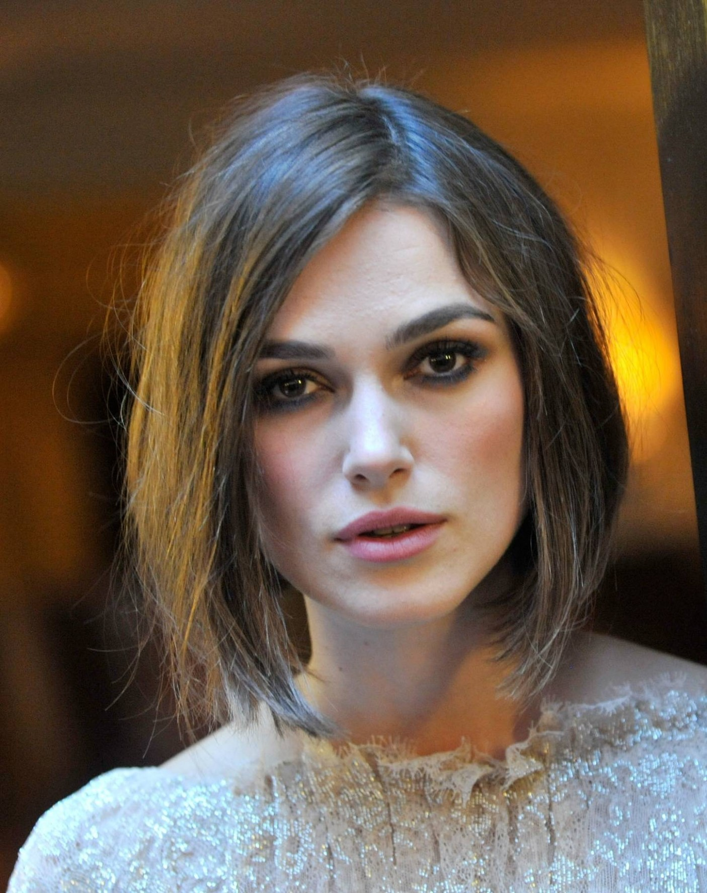 The Best Medium Length Haircuts For A Square Face Women Hairstyles Bob For Square Face