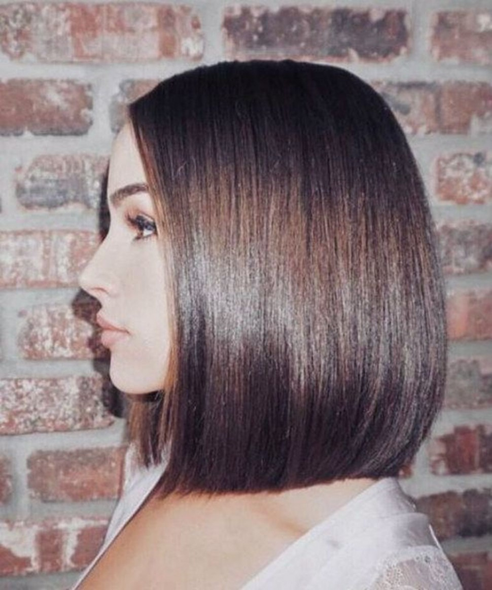 The Best Mid Length Haircuts To Get When Growing Out Your Bob A Line Haircut Medium Length