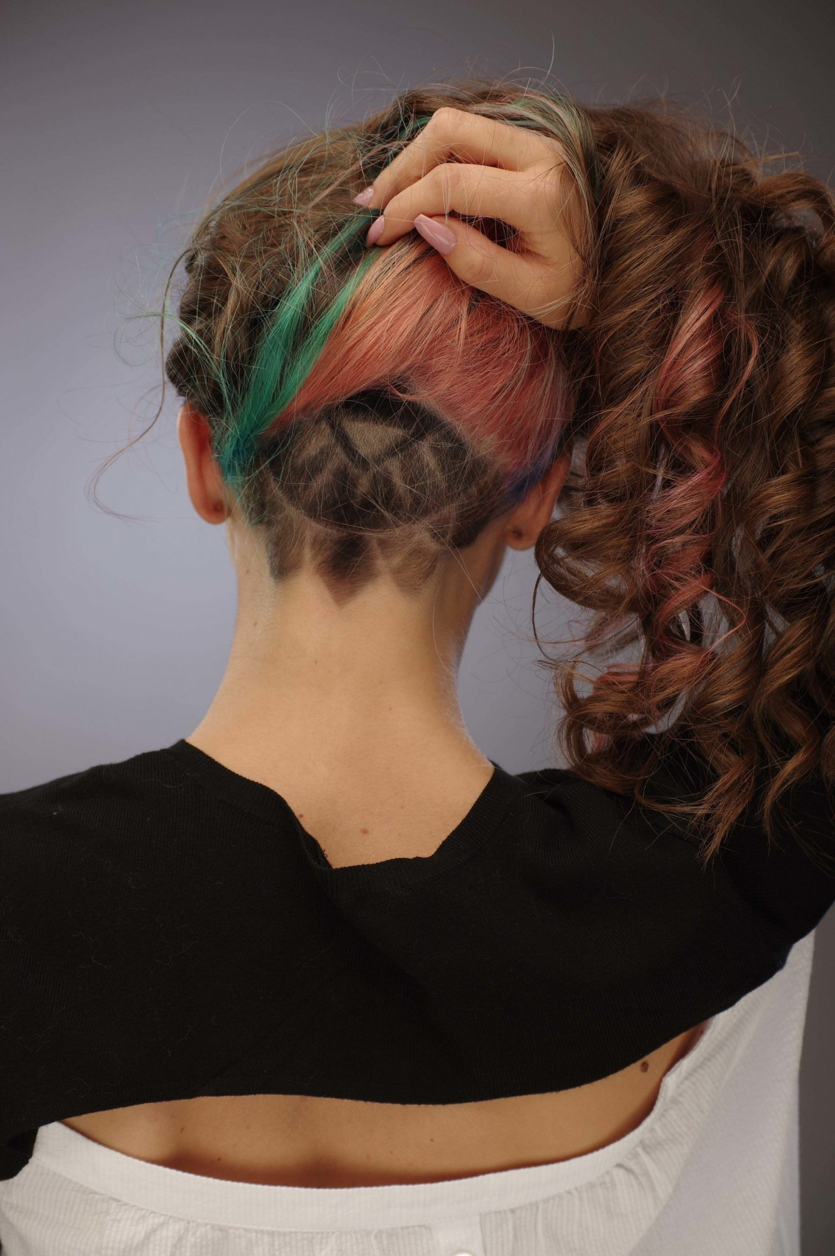 Undercut For Women: The Ideal Way To Manage Thick And Long Hair Curly Hair Undercut Female