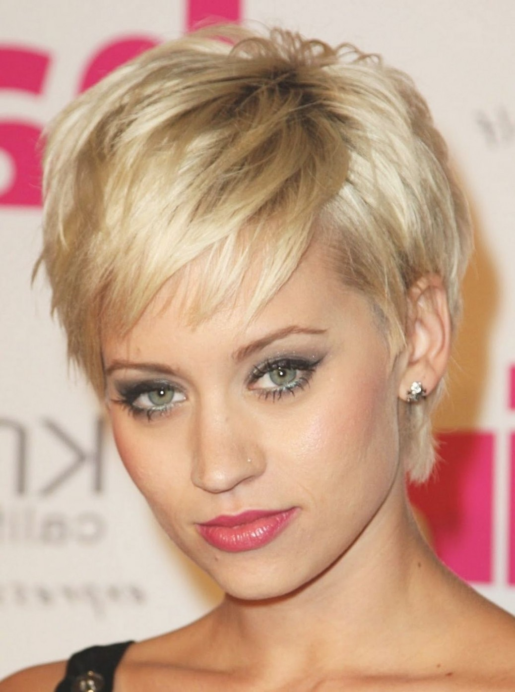 Very Short Hairstyles For Women With Oval Faces 10 Best Hairstyles Short Haircuts For Oval Faces And Thin Hair