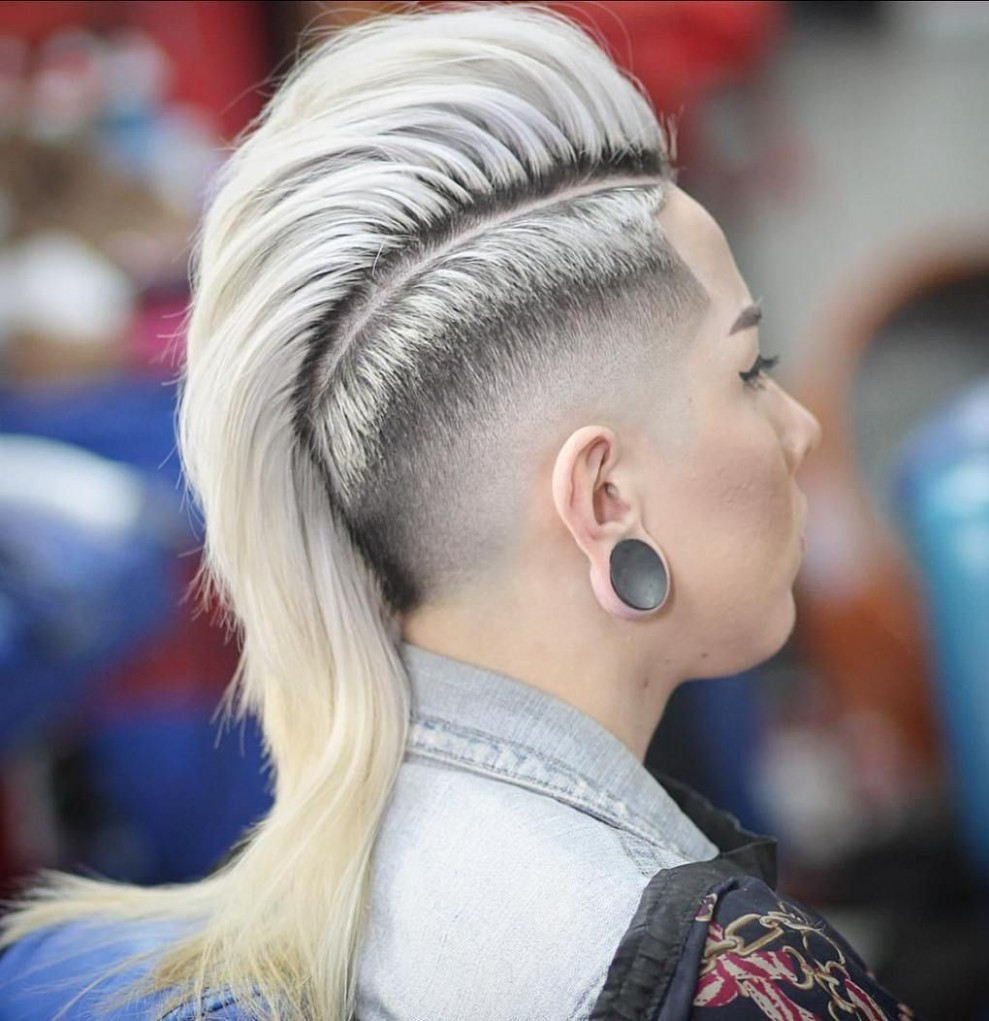 Women's Long Mohawk With Taper Fade. I just like the hawk. Not the